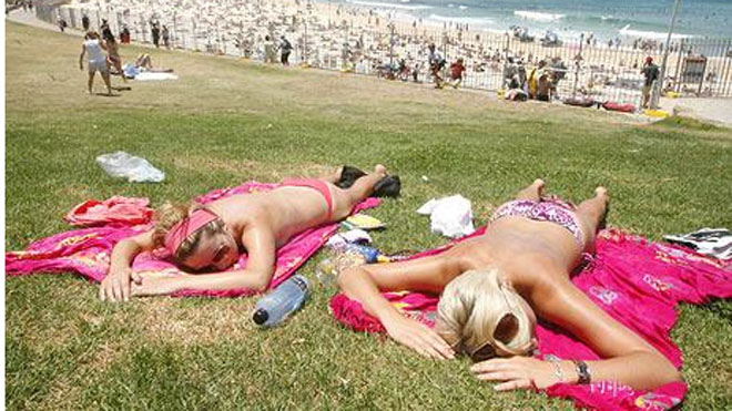 topless_bathers