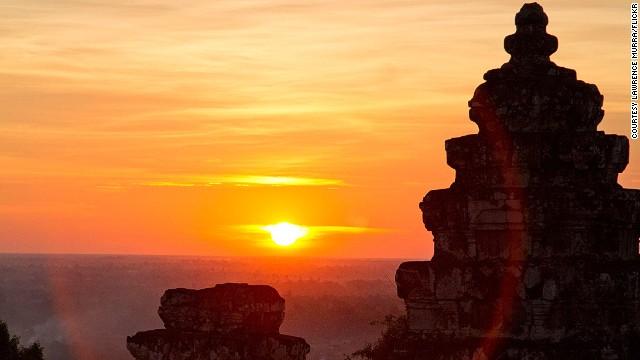 sunsets-phnom-bakheng