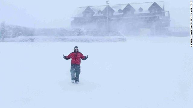 Там можно кататься на лыжах