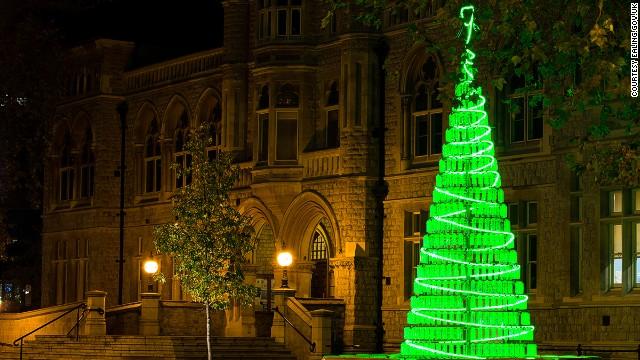 Бутылочная елка (Лондон)