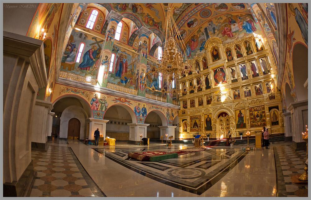 Свято-Троицкий собор в магадане внутри