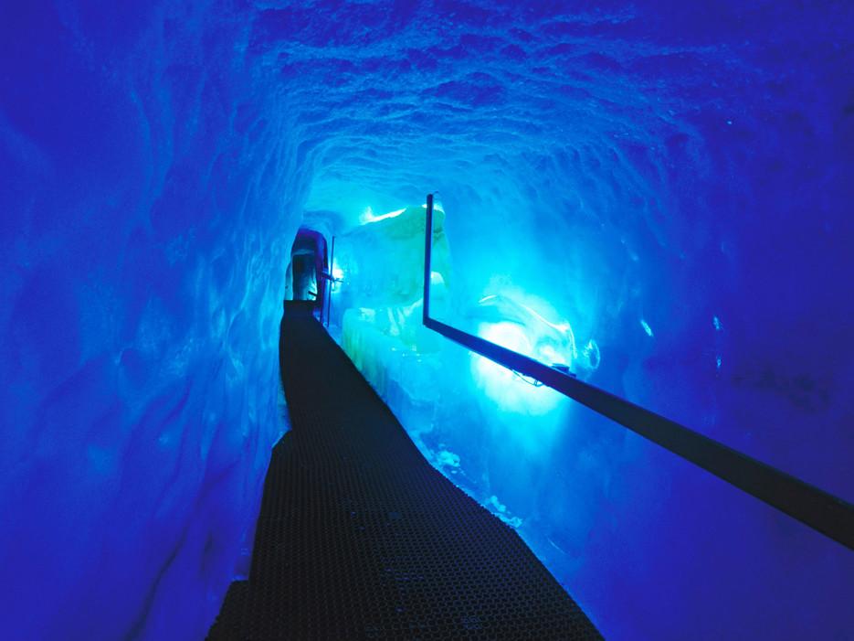 Ледяной грот (Миттельаллалин, Швейцария)