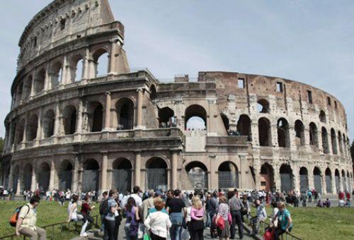 Американцы испортили Колизей в Риме