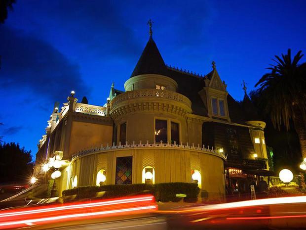 «Волшебный замок» в центре города