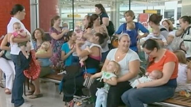 breastfeeding_protest