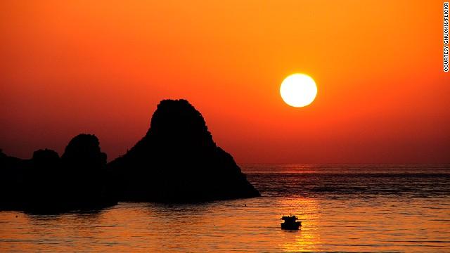 sunsets-acitrezza