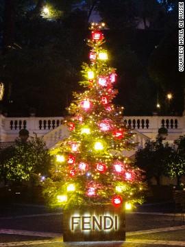 Fendi-елка (Рим)