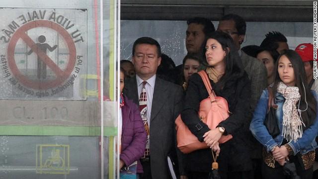 приставания к женщинам в метро