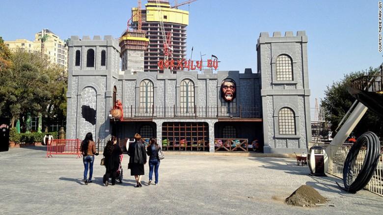 Безжалостный аттракцион ужасов в Баку